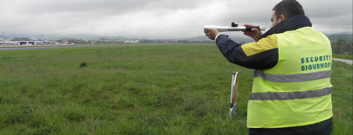 Deterring birds with Aerolaser Handheld at Sarajevo Airport